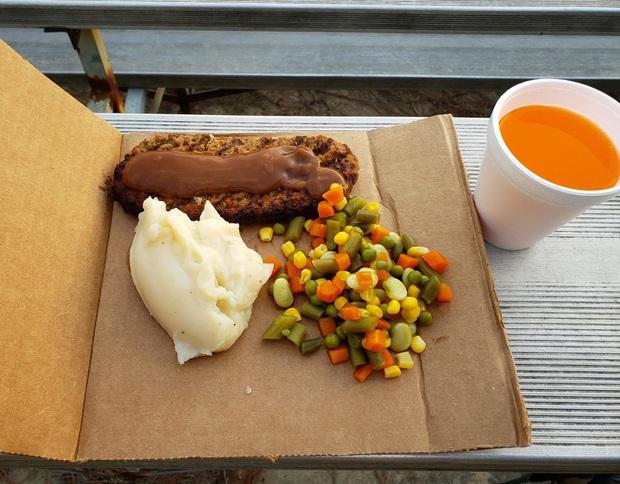 """Muôn kiểu trình bày món ăn như đến từ hành tinh khác của các nhà hàng sang trọng, vừa mang ra bàn đã khiến khách """"bỏ của chạy lấy người"""" - Ảnh 9."""