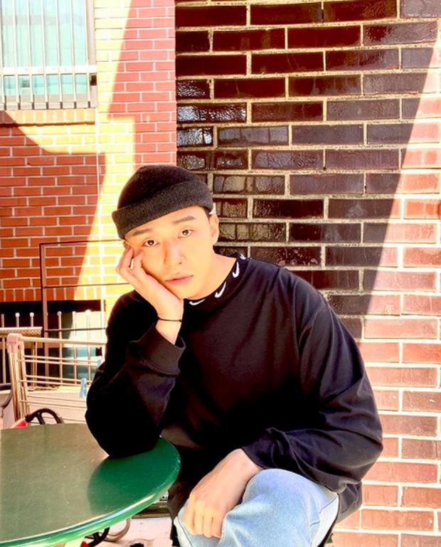 Fan phát hiện kênh Youtube của Park Seo Joon âm thầm có sự thay đổi trong các vlog gần đây, anh sắp lấn sân sang một mảng mới toanh? - Ảnh 1.