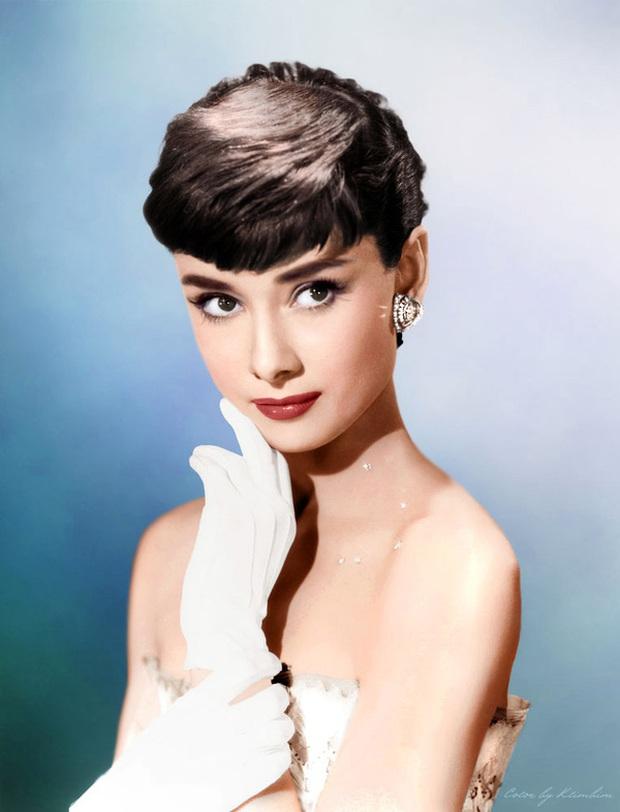 Nữ thần Cbiz hoá thân thành Audrey Hepburn: Angela Baby - Dương Mịch kiêu sa sang chảnh, kéo đến mỹ nhân cuối ai cũng hết hồn - Ảnh 2.