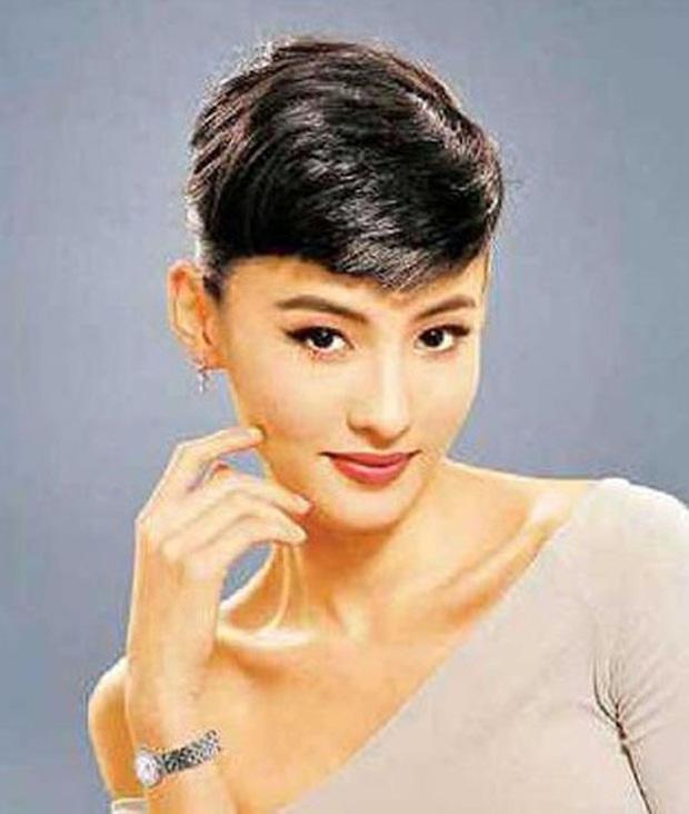 Nữ thần Cbiz hoá thân thành Audrey Hepburn: Angela Baby - Dương Mịch kiêu sa sang chảnh, kéo đến mỹ nhân cuối ai cũng hết hồn - Ảnh 14.
