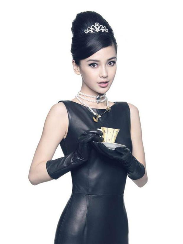 Nữ thần Cbiz hoá thân thành Audrey Hepburn: Angela Baby - Dương Mịch kiêu sa sang chảnh, kéo đến mỹ nhân cuối ai cũng hết hồn - Ảnh 4.