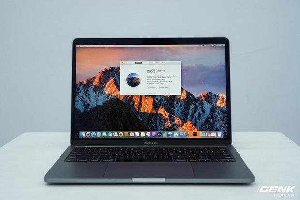 Cận cảnh MacBook Pro 13 2020 tại Việt Nam: Bàn phím Magic Keyboard mới, kích thước tương đương bản 2019, giá vẫn khá chát - Ảnh 13.