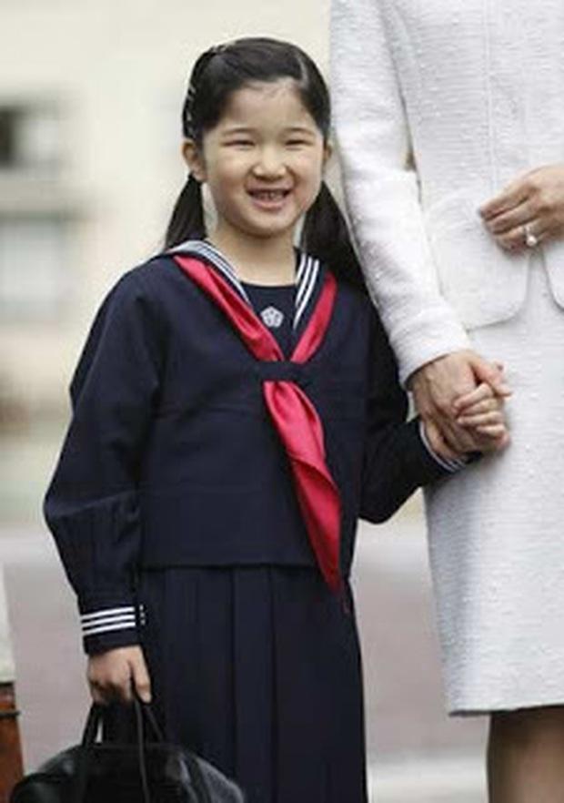 Hoàng hậu Masako - người mẹ từng vượt qua căn bệnh trầm cảm, dùng kỷ luật thép để dạy con sống như thường dân, không có đặc quyền dù là công chúa - Ảnh 14.