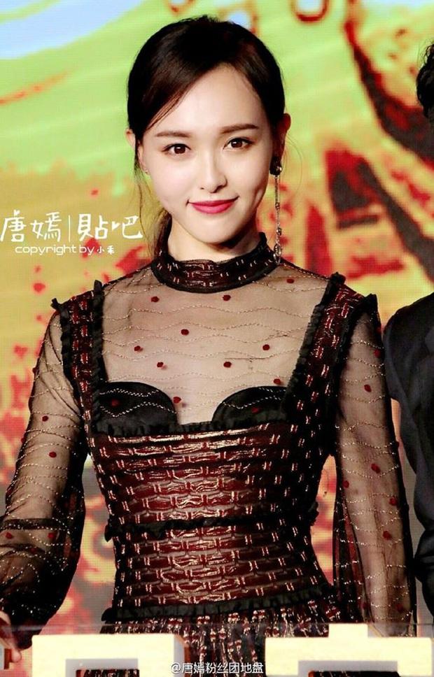 1m72 nhưng Đường Yên vẫn thua đau trước cô nàng chưa đến 1m60: Taeyeon đảo ngược tình thế chỉ nhờ bỏ đi một chi tiết - Ảnh 2.