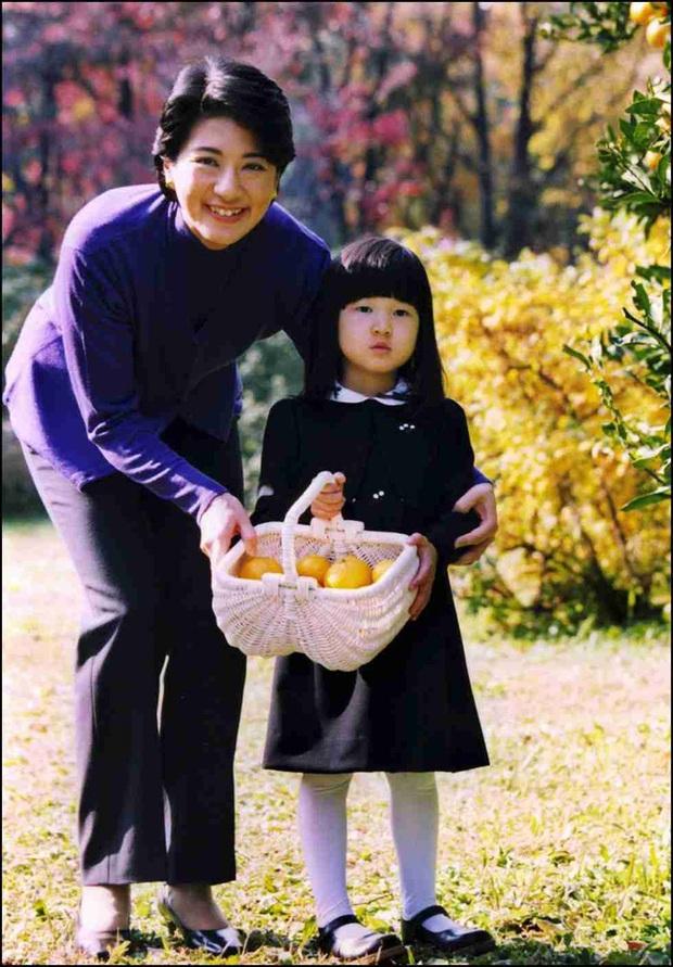 Hoàng hậu Masako - người mẹ từng vượt qua căn bệnh trầm cảm, dùng kỷ luật thép để dạy con sống như thường dân, không có đặc quyền dù là công chúa - Ảnh 21.