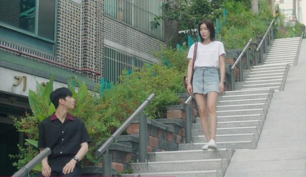 Nhìn dàn sao trong phim Hàn mà học được bao cách lên đồ với áo thun trắng, diện lên vừa mát lại vừa xịn - Ảnh 3.