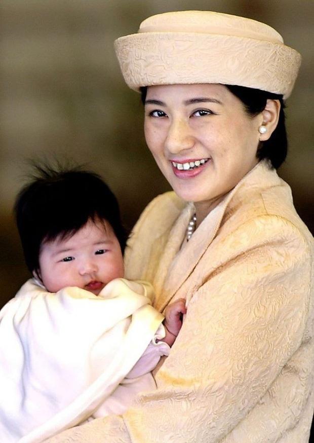 Hoàng hậu Masako - người mẹ từng vượt qua căn bệnh trầm cảm, dùng kỷ luật thép để dạy con sống như thường dân, không có đặc quyền dù là công chúa - Ảnh 4.