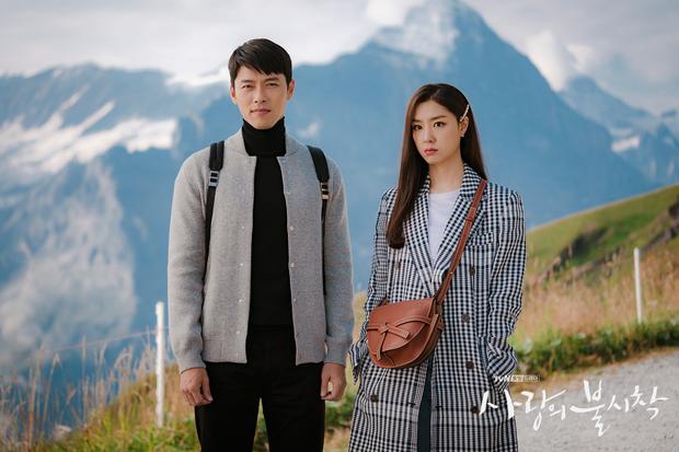 Nhìn dàn sao trong phim Hàn mà học được bao cách lên đồ với áo thun trắng, diện lên vừa mát lại vừa xịn - Ảnh 5.