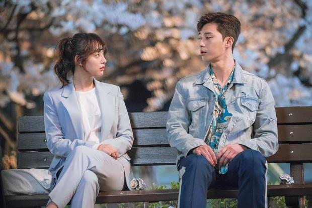 Nhìn dàn sao trong phim Hàn mà học được bao cách lên đồ với áo thun trắng, diện lên vừa mát lại vừa xịn - Ảnh 6.