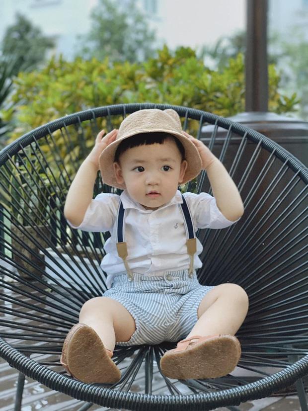 Tú Anh khoe loạt khoảnh khắc đáng yêu của con trai, Đặng Thu Thảo cũng phải thốt lên: Mặt thế này chắc em nựng cả ngày quá! - Ảnh 2.