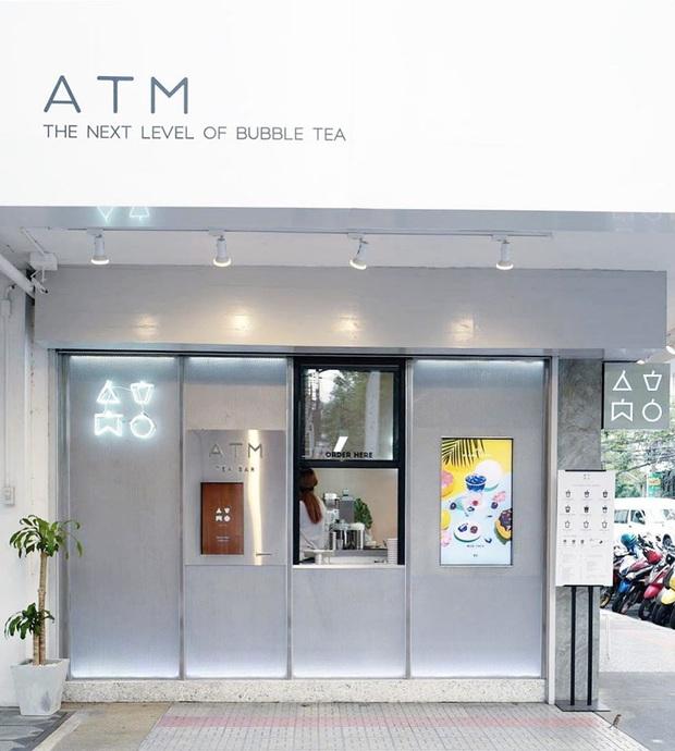 """Chuỗi cửa hàng nọ tung phiên bản """"trà sữa ATM"""" để tạo dấu ấn thời thượng nhưng nhìn ngược xuôi vẫn thấy giống… bịch nước xả vải hơn - Ảnh 3."""