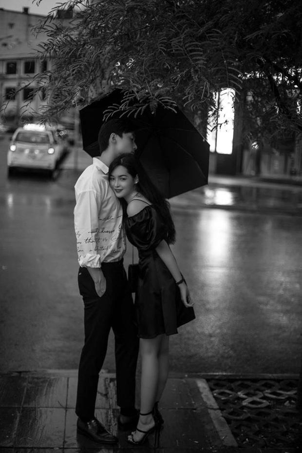 Alan Phạm - Vũ Thanh Quỳnh tung bộ hình cực lãng mạn dưới mưa: Ai nói yêu xa khó lắm? - Ảnh 6.