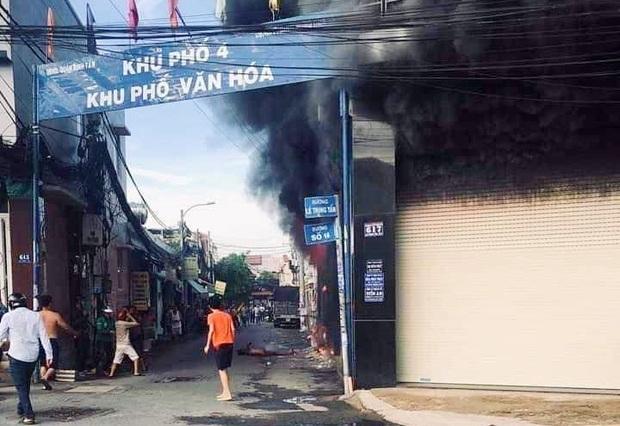 Vụ cháy nhà 3 tầng ở Sài Gòn khiến bố chết, mẹ nhập viện: Sức khỏe 2 người con giờ ra sao? - Ảnh 1.