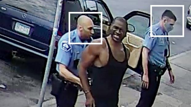8 phút 46 giây đầy ám ảnh của nước Mỹ: Khoảnh khắc cuối cùng của người đàn ông bị cảnh sát ghì chết - Ảnh 2.