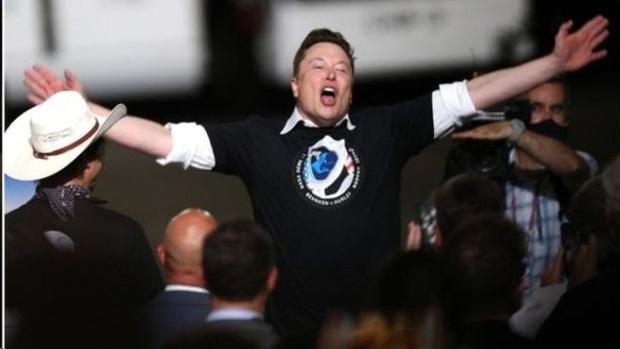 Những tham vọng lạ lùng của tỷ phú Elon Musk: Người đưa cuộc đua vũ trụ trở lại - Ảnh 1.