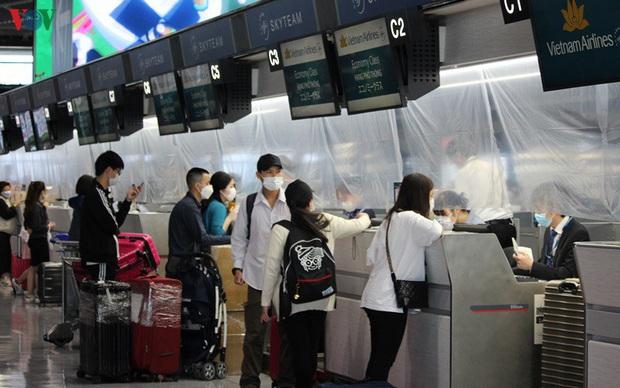 Nhật Bản xem xét nới lỏng nhập cảnh một số nước bao gồm Việt Nam - Ảnh 1.