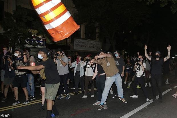 Con gái Thị trưởng New York bị bắt khi đi biểu tình - Ảnh 1.