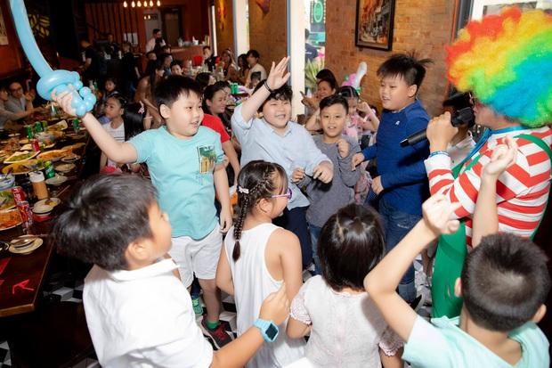 Tim và Trương Quỳnh Anh bất ngờ tái ngộ trong dịp sinh nhật con trai: Dù ly hôn nhưng vẫn giữ thái độ đáng ngưỡng mộ - Ảnh 5.