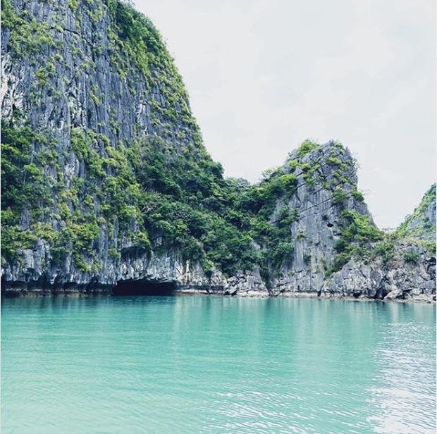 Ai tới vịnh Lan Hạ rồi mới hiểu tại sao Leonardo DiCaprio phải tấm tắc khen ngợi: Vẻ đẹp hoang sơ của thiên đường bị bỏ quên giữa Hải Phòng  - Ảnh 1.