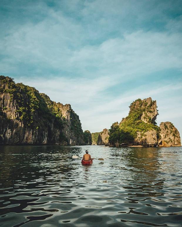 Ai tới vịnh Lan Hạ rồi mới hiểu tại sao Leonardo DiCaprio phải tấm tắc khen ngợi: Vẻ đẹp hoang sơ của thiên đường bị bỏ quên giữa Hải Phòng  - Ảnh 4.
