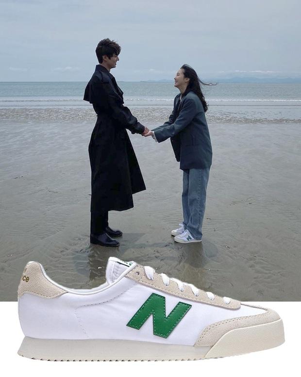 Quân Vương Bất Diệt có xịt thì dân tình vẫn mãn nhãn trước bộ sưu tập sneaker bình dân đi vào lịch sử của Kim Go Eun - Ảnh 9.