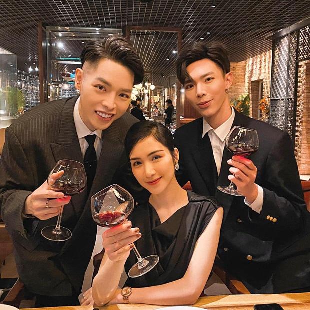 Gia đình Hoa dâm bụt tụ họp mừng sinh nhật Hoà Minzy, khoảnh khắc cô nàng bên bạn trai doanh nhân chiếm sóng MXH - Ảnh 2.