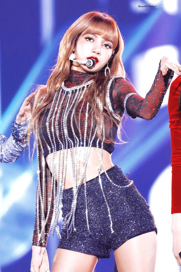 Loạt bằng chứng tố Ngu Thư Hân và 1 idol nữ từng là fan cuồng: Làm lộ phòng khách sạn Lee Min Ho đến bị Sehun chặn đẹp - Ảnh 7.