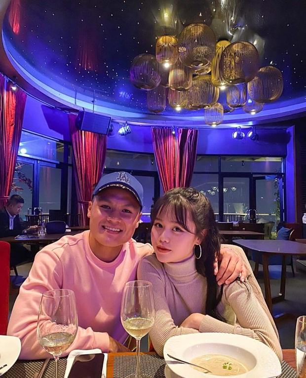 Quang Hải tặng hoa hồng khủng cho Huỳnh Anh kỷ niệm 1 tháng công khai hẹn hò, nhưng hình như có gì sai sai? - Ảnh 3.