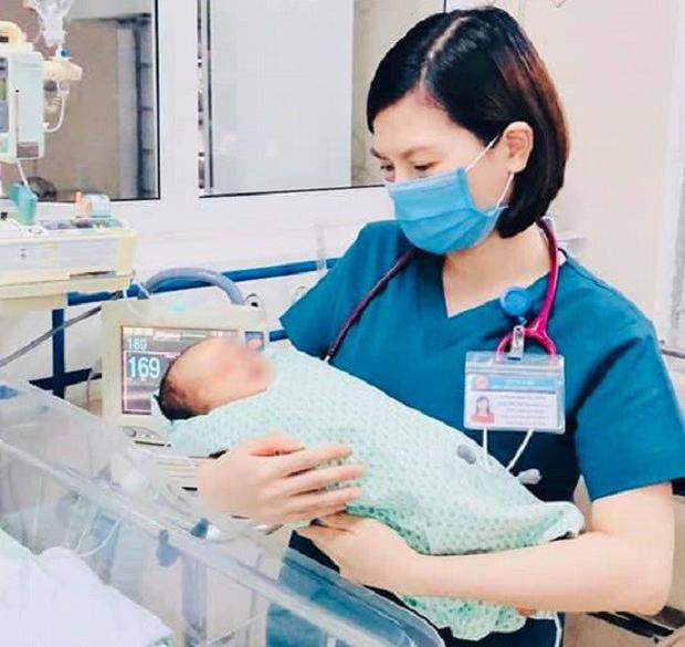 """Hành trình sống sót kỳ diệu của bé sơ sinh bị bỏ dưới hố gas 3 ngày với cái nóng 40 độ C: """"Bé rất kiên cường dù chẳng có lấy một mảnh bỉm tã bên mình"""" - Ảnh 3."""