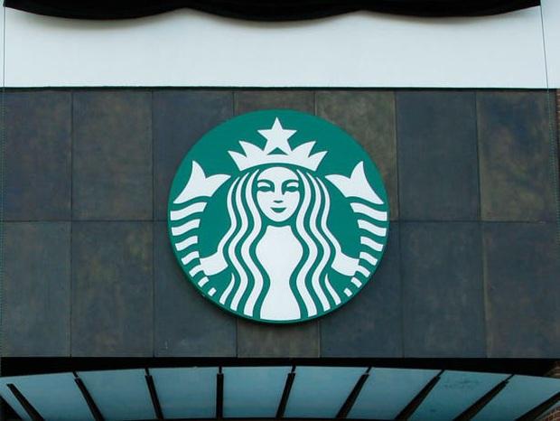 """Logo của những thương hiệu ăn uống đình đám nhất thế giới thay đổi ra sao theo thời gian: """"Chóng mặt"""" nhất vẫn là hãng đầu tiên - Ảnh 24."""
