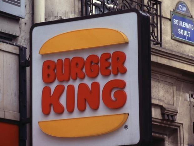 """Logo của những thương hiệu ăn uống đình đám nhất thế giới thay đổi ra sao theo thời gian: """"Chóng mặt"""" nhất vẫn là hãng đầu tiên - Ảnh 32."""