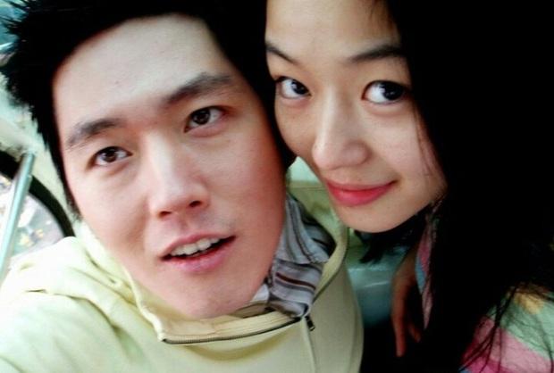 Những bức selfie siêu hiếm của minh tinh Hàn: Jeon Ji Hyun - Park Shin Hye tưởng lộ người yêu, Son Ye Jin cực tình bên ai kia? - Ảnh 6.