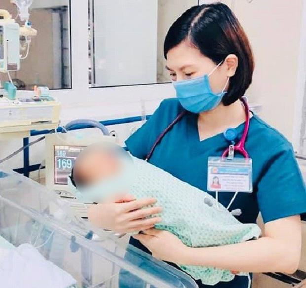Công an đã tìm thấy người mẹ bỏ rơi bé sơ sinh dưới hố gas, không để lại cho con 1 mảnh vải che thân dưới cái nóng 40 độ C suốt 3 ngày - Ảnh 2.