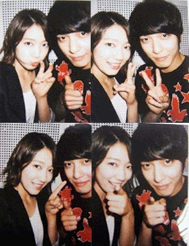 Những bức selfie siêu hiếm của minh tinh Hàn: Jeon Ji Hyun - Park Shin Hye tưởng lộ người yêu, Son Ye Jin cực tình bên ai kia? - Ảnh 12.