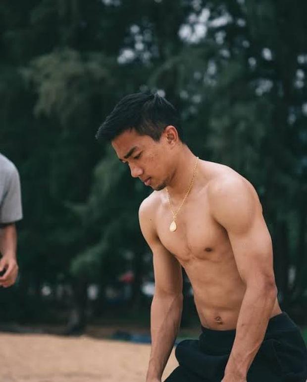 Những cầu thủ Thái Lan sở hữu khối cơ đáng sợ chẳng khác nào VĐV thể hình: Người được mệnh danh là Hulk, đáng nể nhất là thủ môn số 1 - Ảnh 3.