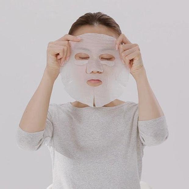 Bậc thầy làm đẹp của Nhật Bản qua đời ở tuổi 76, truyền lại cho phái đẹp toàn cầu bước skincare cải lão hoàn đồng chỉ trong 3 phút - Ảnh 4.