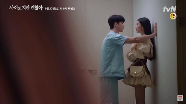 Kim Soo Hyun đẹp muốn xỉu ở Psycho But Its Okay nhưng crush lại mải ngắm trai lạ khỏa thân thế mới tức! - Ảnh 11.