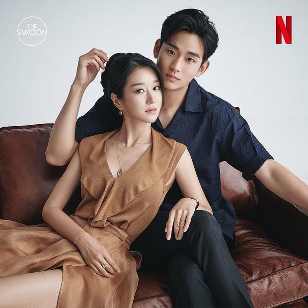 Kim Soo Hyun đẹp muốn xỉu ở Psycho But Its Okay nhưng crush lại mải ngắm trai lạ khỏa thân thế mới tức! - Ảnh 1.