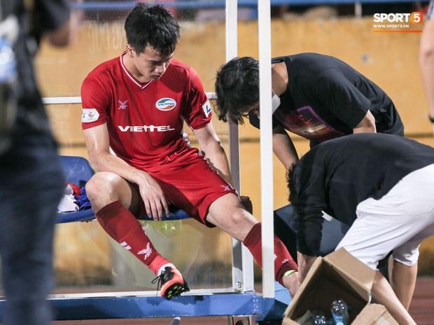 HLV Park Hang-seo yêu cầu bác sĩ Choi Ju-young gặp bằng được tuyển thủ Việt Nam vì lo lắng - Ảnh 5.
