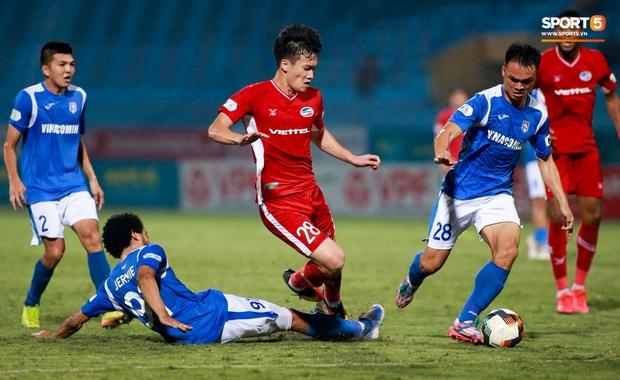 HLV Park Hang-seo yêu cầu bác sĩ Choi Ju-young gặp bằng được tuyển thủ Việt Nam vì lo lắng - Ảnh 6.