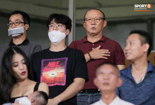 HLV Park Hang-seo yêu cầu bác sĩ Choi Ju-young gặp bằng được tuyển thủ Việt Nam vì lo lắng - Ảnh 10.