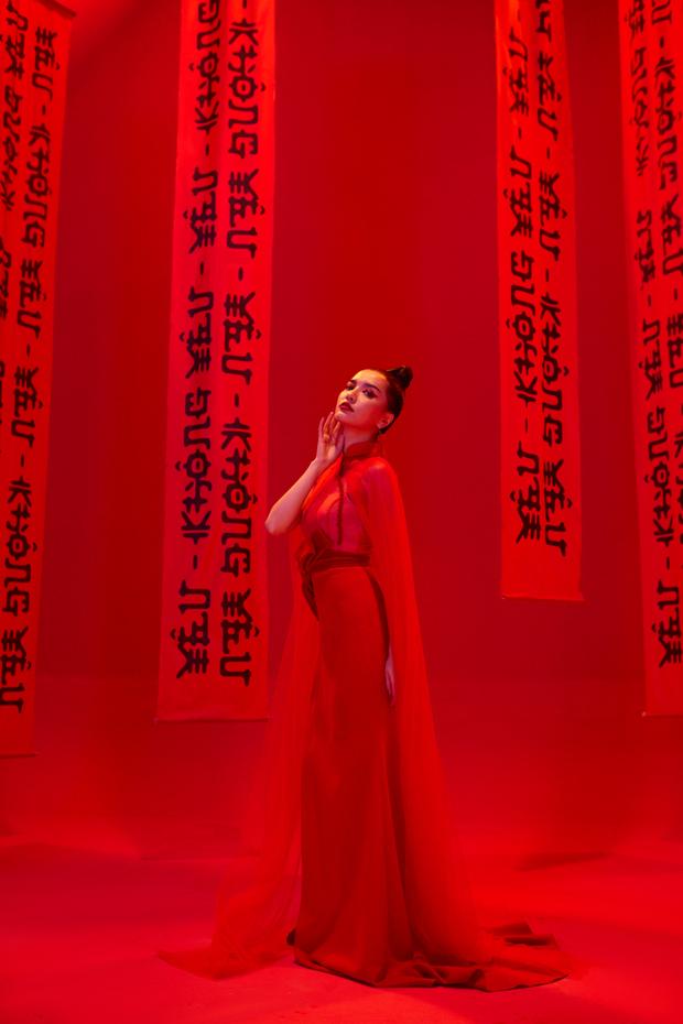 Bích Phương sau 10 năm rời Vietnam Idol: Không chỉ sự nghiệp mà nhan sắc cũng ngày một thăng hạng - Ảnh 11.