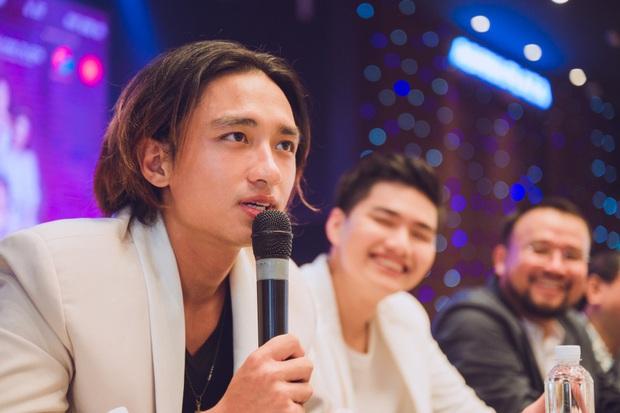 Trương Quỳnh Anh lên đồ siêu xinh tái xuất màn ảnh, Hữu Vi gây sốc với tóc bổ luống ở thảm đỏ Đường Về Có Nhau - Ảnh 4.