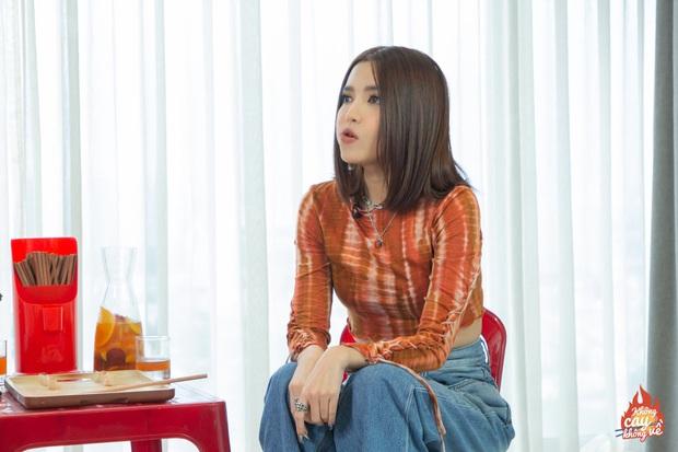 Bích Phương kể chuyện tống tiền trên show: Mẹ than bị mất danh hiệu thi đua, bố chỉ biết kêu tên nạn nhân - Ảnh 4.