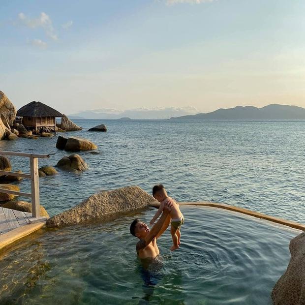 """8 resort biệt lập 5 sao đang có giá siêu """"hời"""" bên ngoài thành phố biển Nha Trang: Nơi hoàn hảo để rũ bỏ muộn phiền và hòa mình vào thiên nhiên - Ảnh 1."""
