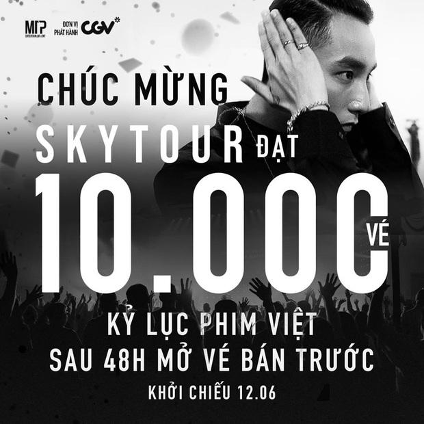 Đạt 10.000 vé chỉ sau hai ngày, SKY TOUR MOVIE của Sơn Tùng M-TP xô đổ mọi kỉ lục phim Việt - Ảnh 1.
