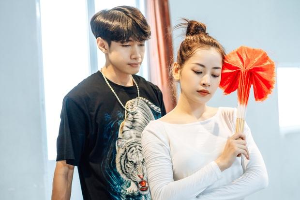 Quang Đăng biên đạo hit mới cho Chi Pu: phức tạp đến mức... đáng quan ngại, đầu gối nữ ca sĩ chấn thương nhưng vẫn bất chấp tập luyện - Ảnh 14.