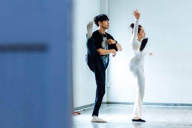 Quang Đăng biên đạo hit mới cho Chi Pu: phức tạp đến mức... đáng quan ngại, đầu gối nữ ca sĩ chấn thương nhưng vẫn bất chấp tập luyện - Ảnh 5.