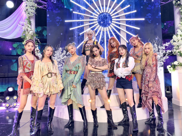 """JYP """"chốt"""" đội hình nhóm """"em gái"""" TWICE phiên bản Nhật, Knet hết băn khoăn lại lo lắng: """"Họ sẽ thành mối đe dọa của Kpop trong tương lai mất!"""" - Ảnh 11."""