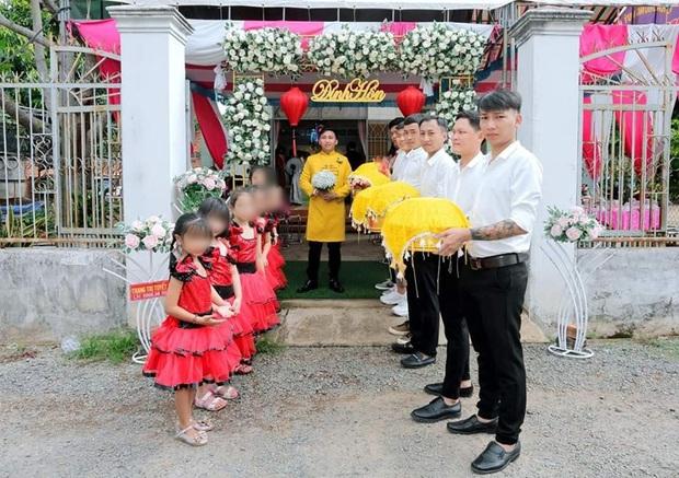Xôn xao dàn phù dâu nhí bê tráp ở Vũng Tàu: Người ủng hộ vì dễ thương, người phản ứng do không đúng truyền thống - Ảnh 1.